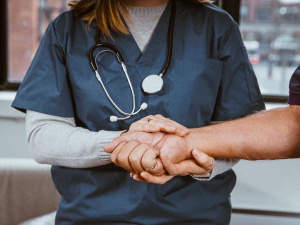 Assistent für Pflege und Betreuung